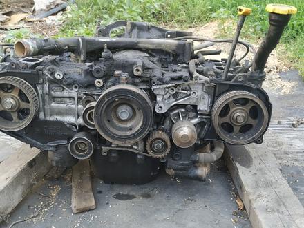 Двигатель ej 1.8 subaru legacy за 25 000 тг. в Алматы