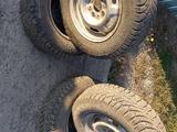 Диски с шинами зима на 13 за 50 000 тг. в Караганда