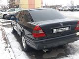 Mercedes-Benz C 180 1994 года за 2 700 000 тг. в Петропавловск – фото 3