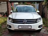 Volkswagen Tiguan 2014 года за 7 200 000 тг. в Алматы – фото 2