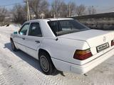 Mercedes-Benz E 230 1991 года за 1 250 000 тг. в Талдыкорган – фото 4