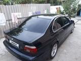 BMW 528 1998 года за 2 600 000 тг. в Шымкент – фото 2