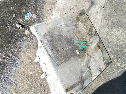 Стекло двери toyota camry 10 за 5 000 тг. в Алматы