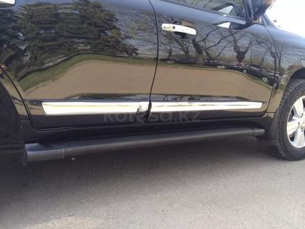 Молдинги на двери Тойота Лэнд Крузер 200 за 40 000 тг. в Алматы – фото 2