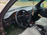 Mercedes-Benz E 300 1993 года за 1 300 000 тг. в Петропавловск – фото 4