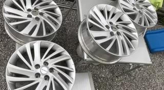 Диски оригинальные из Японии. Nissan j7 ET40 за 160 000 тг. в Алматы