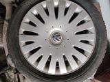 Оригинальные диски с резиной за 55 000 тг. в Петропавловск – фото 2