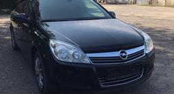 Opel Astra 2011 года за 3 700 000 тг. в Алматы – фото 4