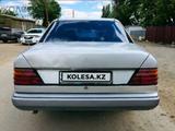 Mercedes-Benz E 200 1989 года за 600 000 тг. в Жезказган – фото 3