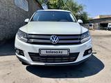 Volkswagen Tiguan 2014 года за 6 200 000 тг. в Алматы – фото 2