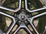 Оригинальные диски R21 AMG на Mercedes GLS, GLE Мерседес за 1 075 000 тг. в Алматы – фото 3
