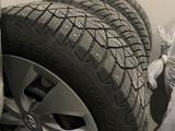 Железные диски r16 Toyota Corolla с зим. Шинами Goodyear 205/55 R16 за 180 000 тг. в Алматы