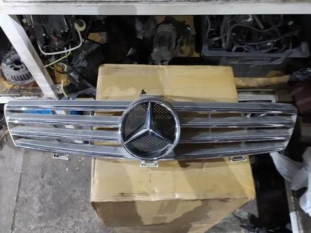 Решетка радиатора на Мерседес w219 оригинал за 60 000 тг. в Алматы
