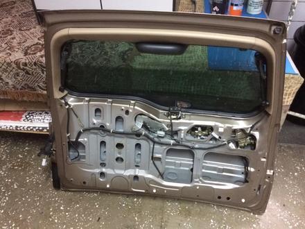 Задняя дверь на Honda CR-V за 200 000 тг. в Алматы – фото 2