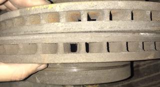Передние тормозные диски марк 2 за 5 000 тг. в Нур-Султан (Астана)