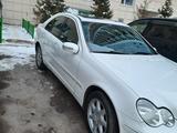 Mercedes-Benz C 240 2004 года за 3 500 000 тг. в Нур-Султан (Астана) – фото 3