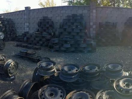 Диски железные на бмв r14 за 4 000 тг. в Нур-Султан (Астана)