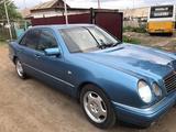 Mercedes-Benz E 320 1998 года за 2 600 000 тг. в Караганда – фото 2