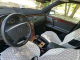 Mercedes-Benz E 230 1996 года за 2 300 000 тг. в Павлодар – фото 5