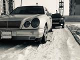 Mercedes-Benz E 320 1996 года за 2 500 000 тг. в Экибастуз – фото 2