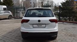 Volkswagen Tiguan Respect 2021 года за 13 090 000 тг. в Костанай – фото 4