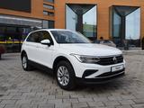 Volkswagen Tiguan Respect (2WD) 2021 года за 13 890 000 тг. в Костанай
