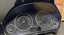 Щиток приборов на BMW F30 за 100 000 тг. в Алматы