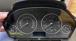 Щиток приборов на BMW F30 за 100 000 тг. в Алматы – фото 2