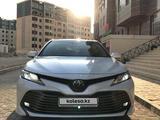 Toyota Camry 2021 года за 18 300 000 тг. в Актау