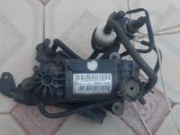 Компрессор насос пневмы на Mercedes Benz W211 за 50 000 тг. в Кызылорда