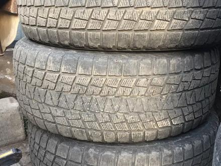 3 зимних балона Bridgestone Blizak 285 60 r18 за 43 000 тг. в Алматы