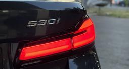 BMW 530 2020 года за 29 200 000 тг. в Алматы – фото 4