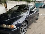 BMW 528 1999 года за 4 200 000 тг. в Алматы