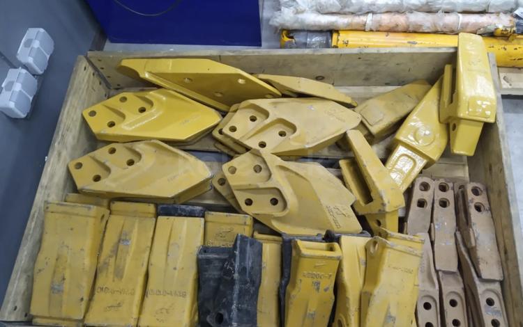 Комплект зубьев на экскаватор в Алматы