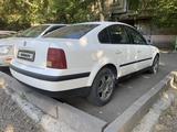 Volkswagen Passat 1998 года за 1 800 000 тг. в Семей – фото 4