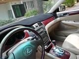 Lexus ES 300 2002 года за 3 550 000 тг. в Алматы – фото 2