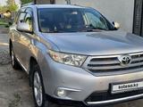 Toyota Highlander 2011 года за 12 200 000 тг. в Семей – фото 2