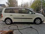 Volkswagen Touran 2003 года за 3 200 000 тг. в Шымкент
