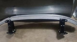 Усилитель переднего бампера от Mercedes S w221 за 70 000 тг. в Алматы