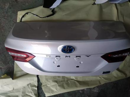 Крышка багажника за 9 999 тг. в Алматы