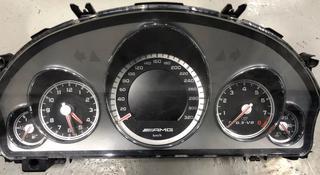 Шиток AMG w212 за 9 999 тг. в Алматы