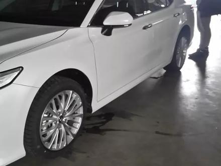 R18 диски 5*114.3 с шинами Bridgestone за 450 000 тг. в Алматы
