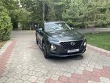 Hyundai Santa Fe 2019 года за 14 550 000 тг. в Алматы – фото 3