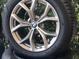 Колесо зимнее в сборе на BMW за 280 000 тг. в Алматы