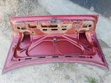 Крышка багажника bmw e34 за 5 000 тг. в Усть-Каменогорск – фото 3