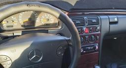 Mercedes-Benz E 240 1999 года за 3 800 000 тг. в Шымкент – фото 3