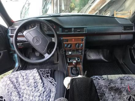 Mercedes-Benz E 200 1993 года за 1 999 000 тг. в Алматы – фото 2