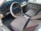 Mercedes-Benz E 260 1988 года за 1 150 000 тг. в Семей – фото 2