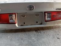 Toyota Camry 25 задний багажник Американс за 25 000 тг. в Алматы