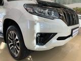 Toyota Land Cruiser Prado Prestige 4.0 2021 года за 32 950 000 тг. в Нур-Султан (Астана) – фото 4